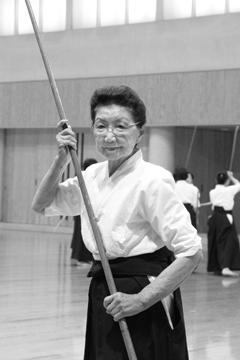 中野シヅヱ(なかの・しづえ)