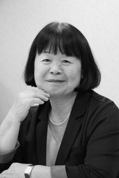 夏目智子(なつめ・さとこ)